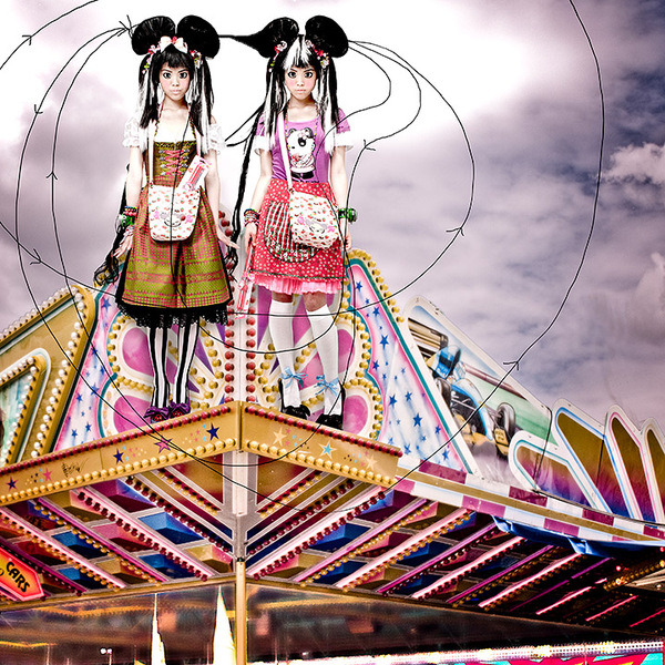 colorful-fashion-editorial-theme-park-manga-digital-photography-chicquero-5