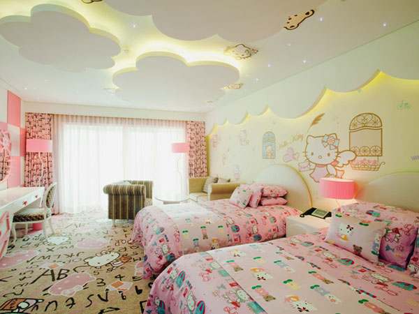 hello-kitty-hotel-042913